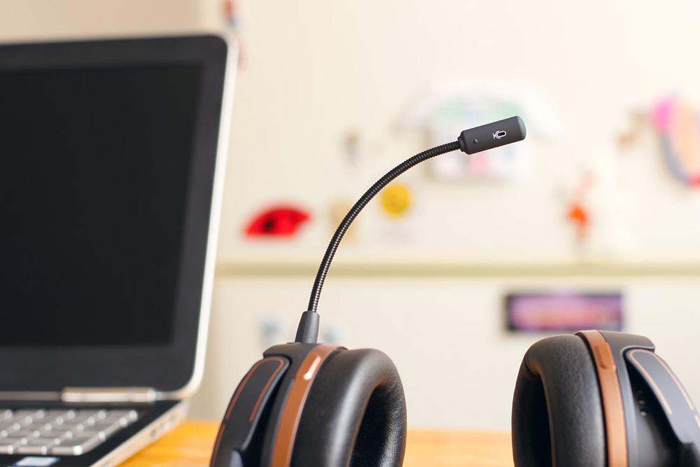 headset near computer